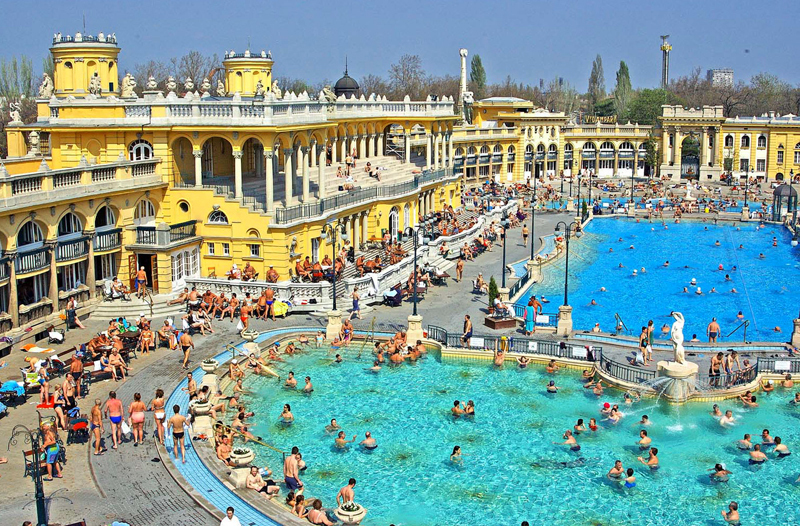 Which bath to visit in Budapest in the summer